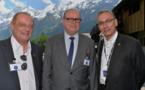De gauche à droite : Christophe Réville, Le Préfet Cyrille Schott, Jean-Pierre Troadec